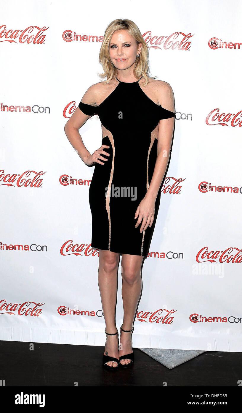 Charlize Theron Empfänger der Distinguished Jahrzehnt of Achievement in Film Award beim CinemaCon Preisverleihung am reinen Nachtklub Stockbild