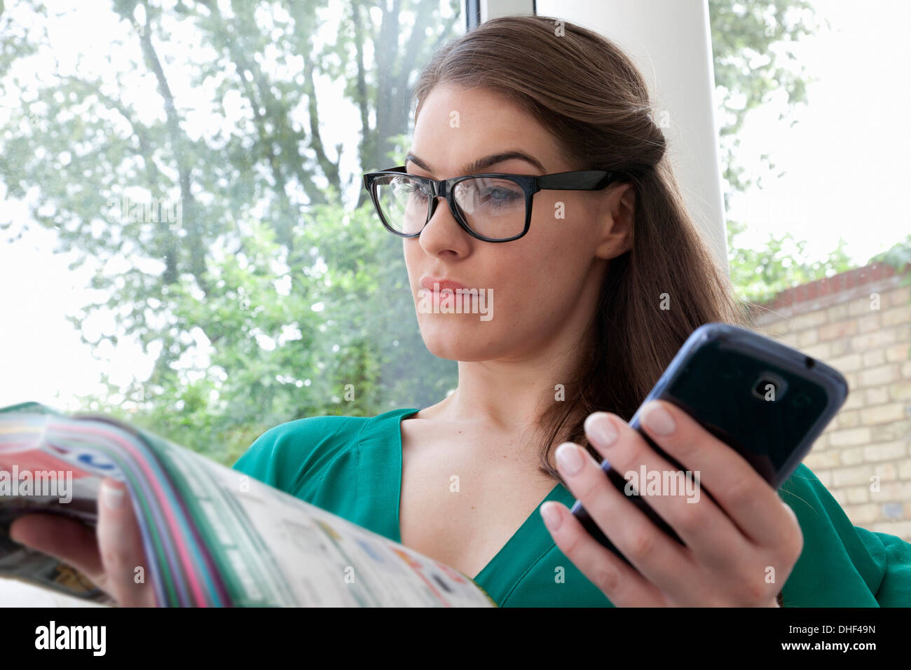 Women Wearing Reading Glasses Stockfotos und  bilder Kaufen   Alamy