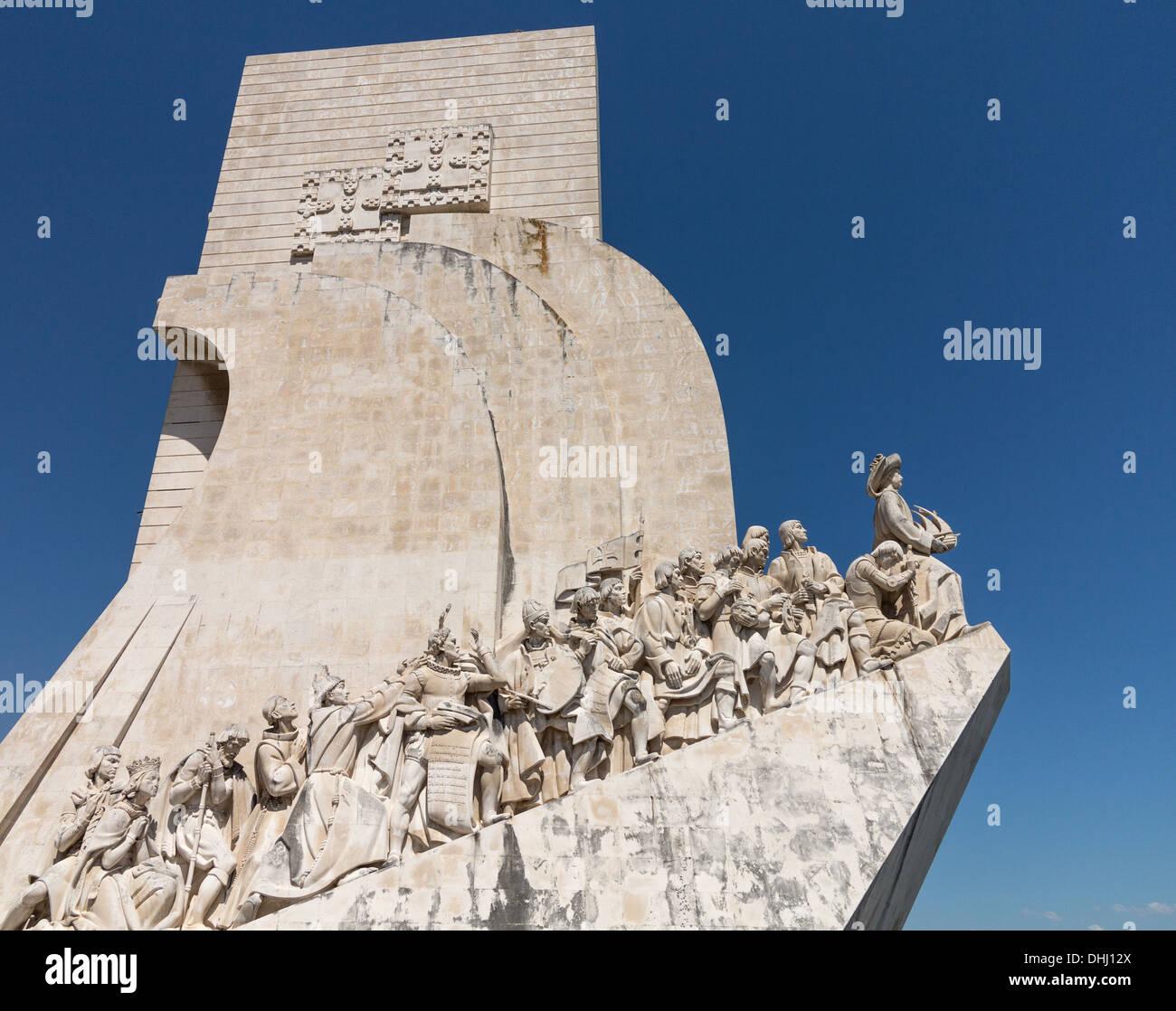 Padrão Dos Descobrimentos oder Denkmal der Entdeckungen Statue und Gedenkstätte in Belem in der Nähe von Lissabon, Portugal. Stockbild