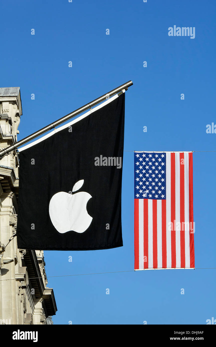 Fahnenmast mit Apple Logo flag & Stars and Stripes American Flag ...
