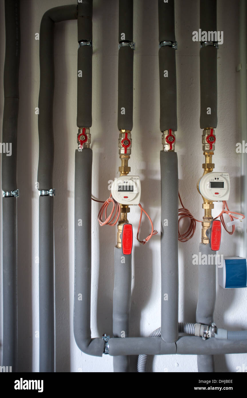 Heating System Pipes Stockfotos & Heating System Pipes Bilder - Alamy