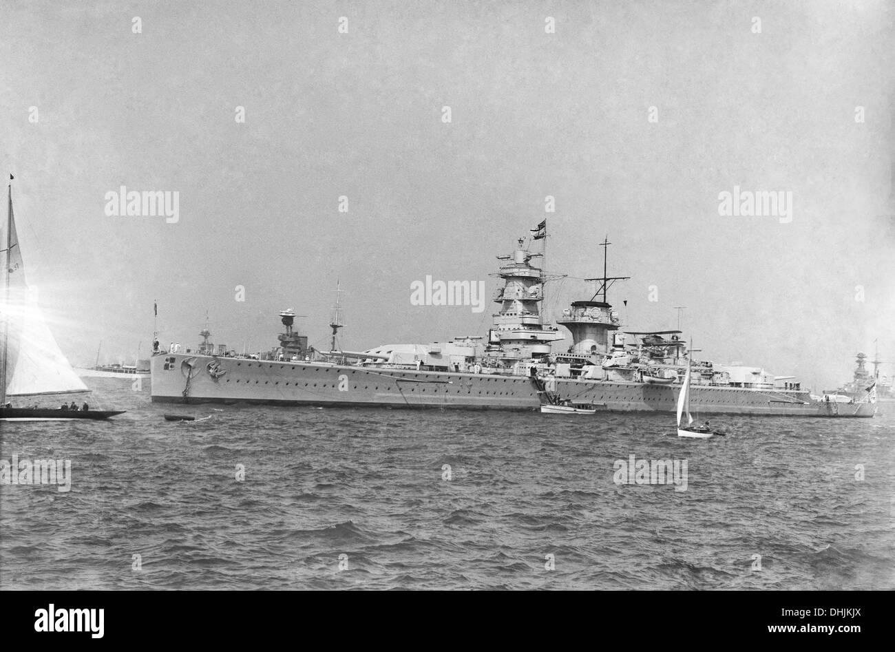 """Deutsche Panzerschiff """"Admiral Graf Spee"""", 1937. Die Teilnahme an der Fleet Review für die Krönung Stockbild"""