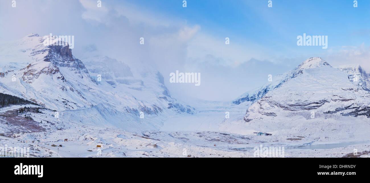 Der Athabasca-Gletscher und dem Columbia Icefield Jasper Nationalpark kanadischen Rocky Mountains Alberta Kanada Nordamerika Stockbild