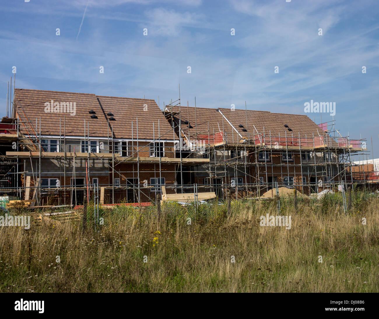 Neue Haus Häuser Bauen Gerüste Dächer Stockfoto, Bild
