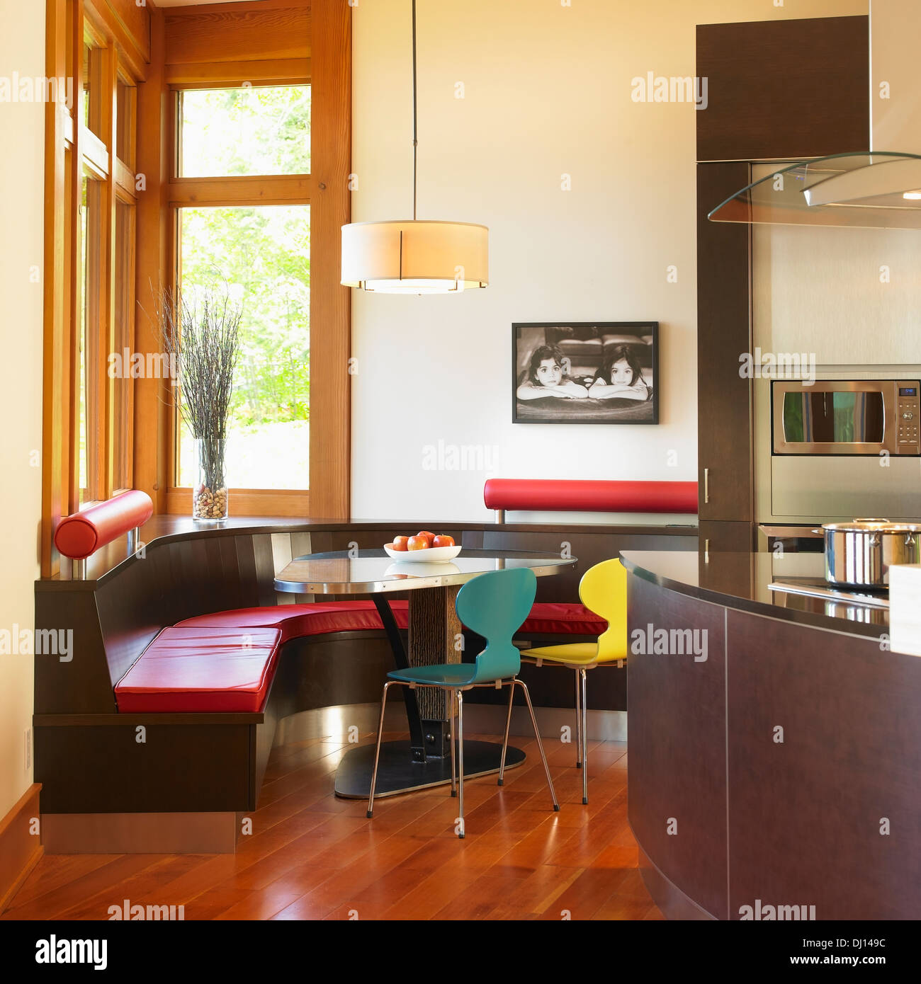 Integrierte Sitzbank In modernen Küche; Victoria, Vancouver Island ...