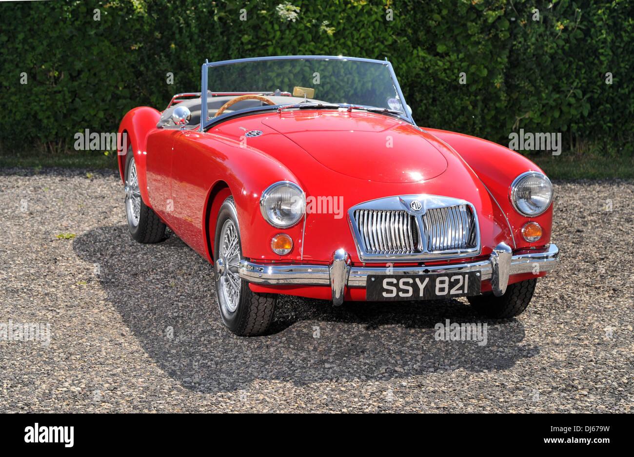 Öffnen Sie 1961 MGA klassische britische Sportwagen Stockbild