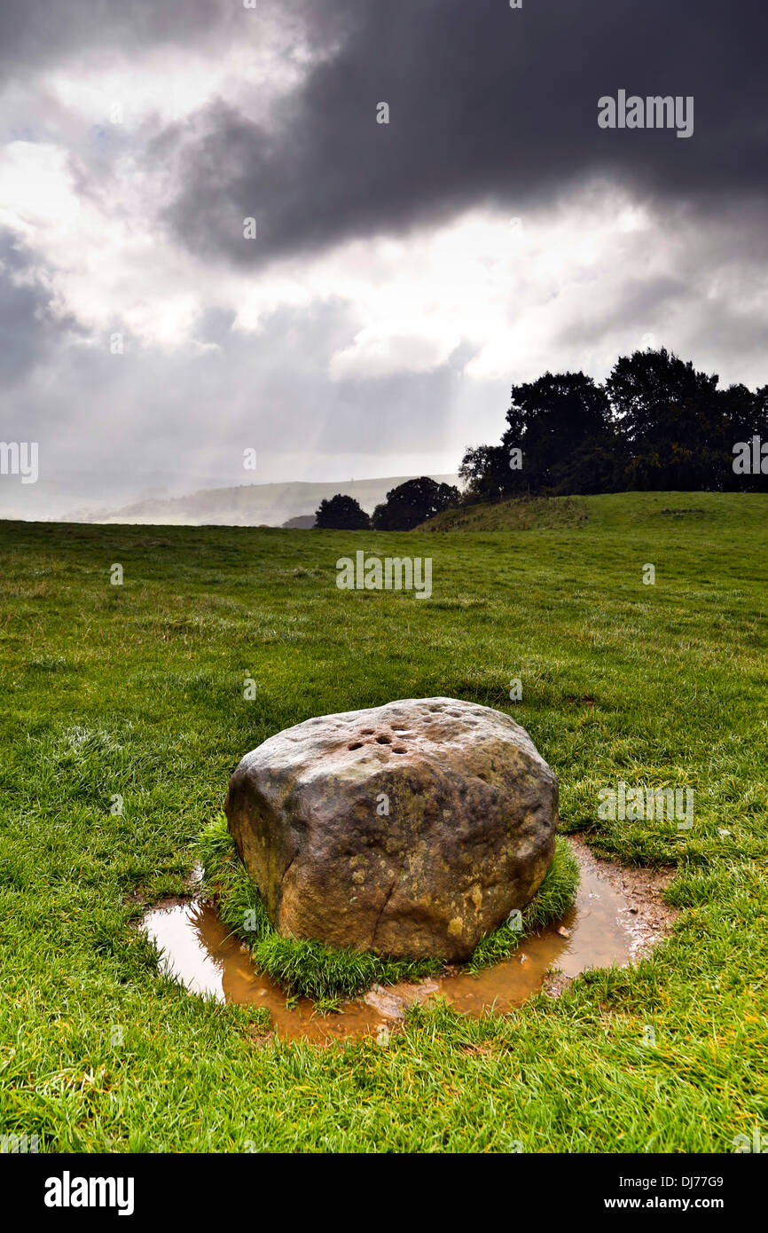 Eyam; Grenzstein; Derbyshire; UK Stockbild