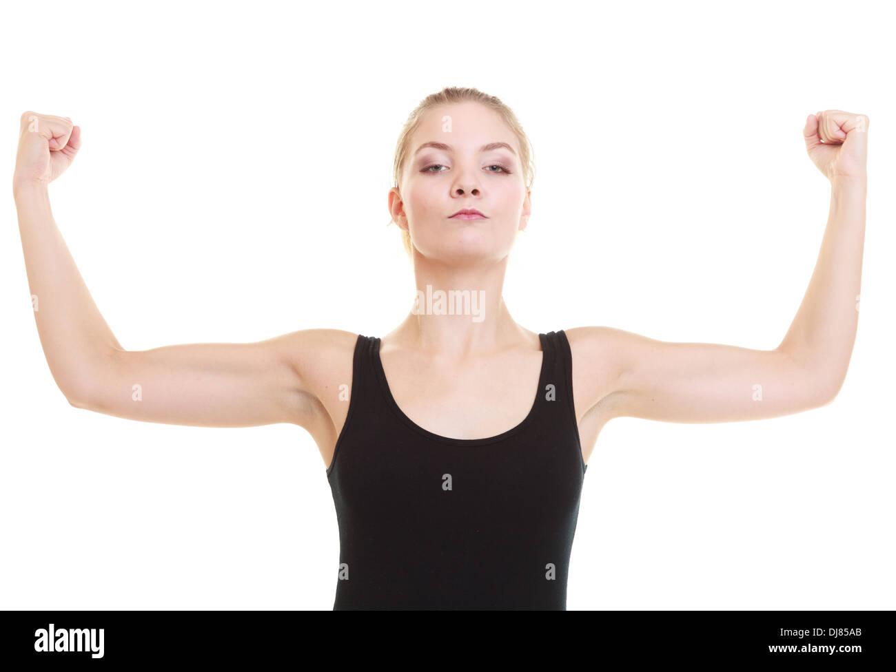 Fitness-Frau zeigt frischen Energie Bizeps Muskeln isoliert auf ...