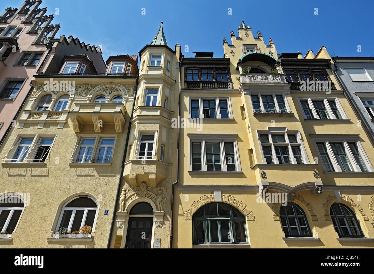 Neo-Renaissance-Gebäude am Richard-Wagner-Straße 9, links, München, Bayern, Deutschland Stockbild