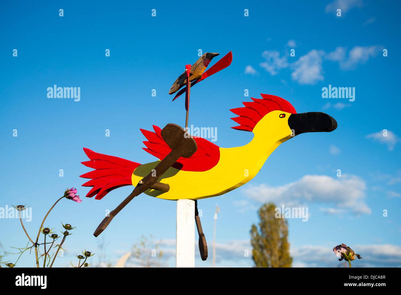 Roadrunner Whirligig Wind Spielzeug, Westham Island Herb Farm, Ladner, British Columbia, Kanada Stockbild