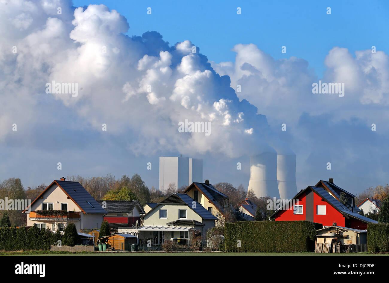 Lippendorf Power Plant Stockfotos & Lippendorf Power Plant Bilder ...