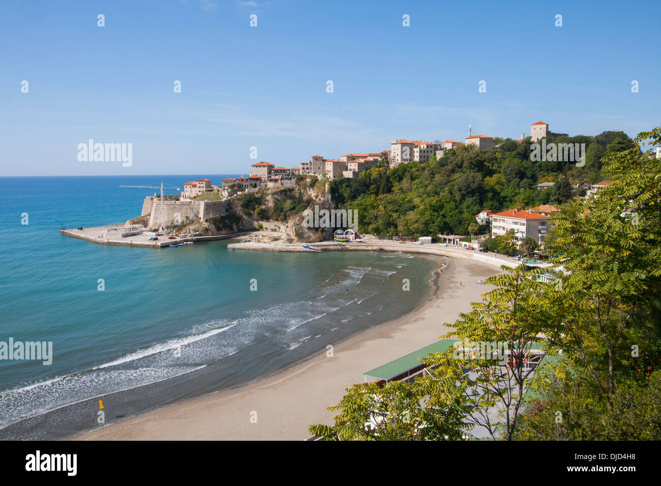stari grad alte stadt und mala plaza kleiner strand in ulcinj montenegro historisch eine. Black Bedroom Furniture Sets. Home Design Ideas