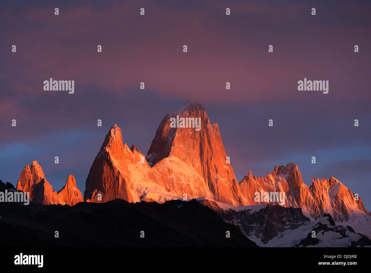 Sonnenlicht fangen die Gipfel des Fitz Roy Massif.Pategonia.Argentina Stockbild