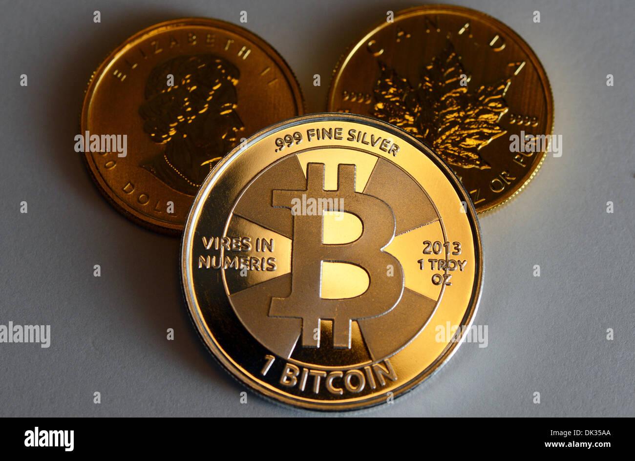 Illustration Einem Bitcoin Und Zwei Goldmünzen Genannt Maple