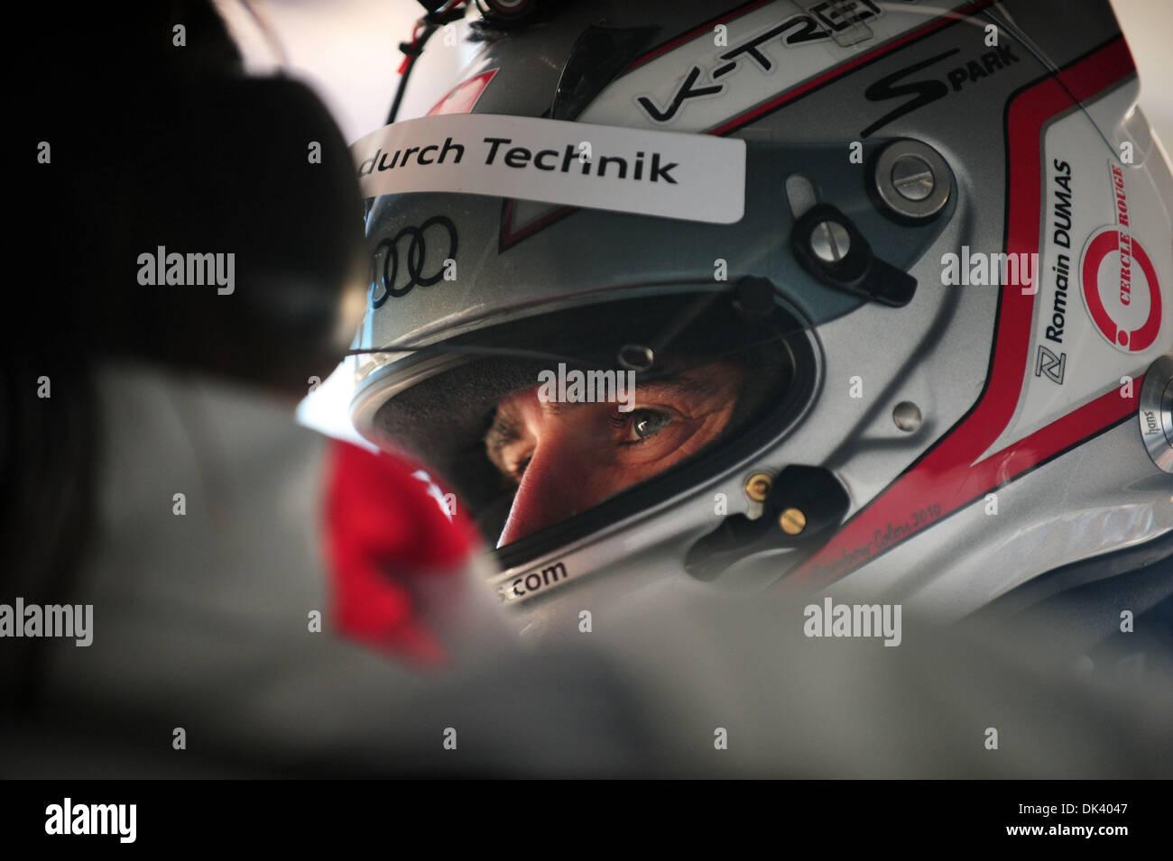 14. März 2011 - bereitet Sebring, Florida, USA - Audi Sport Fahrer ROMAIN DUMAS, von Frankreich, in den R15 Plus erhalten während des Tests für die 12 Stunden von Sebring.   (Credit: Rainier Ehrhardt/ZUMAPRESS.com) Stockbild