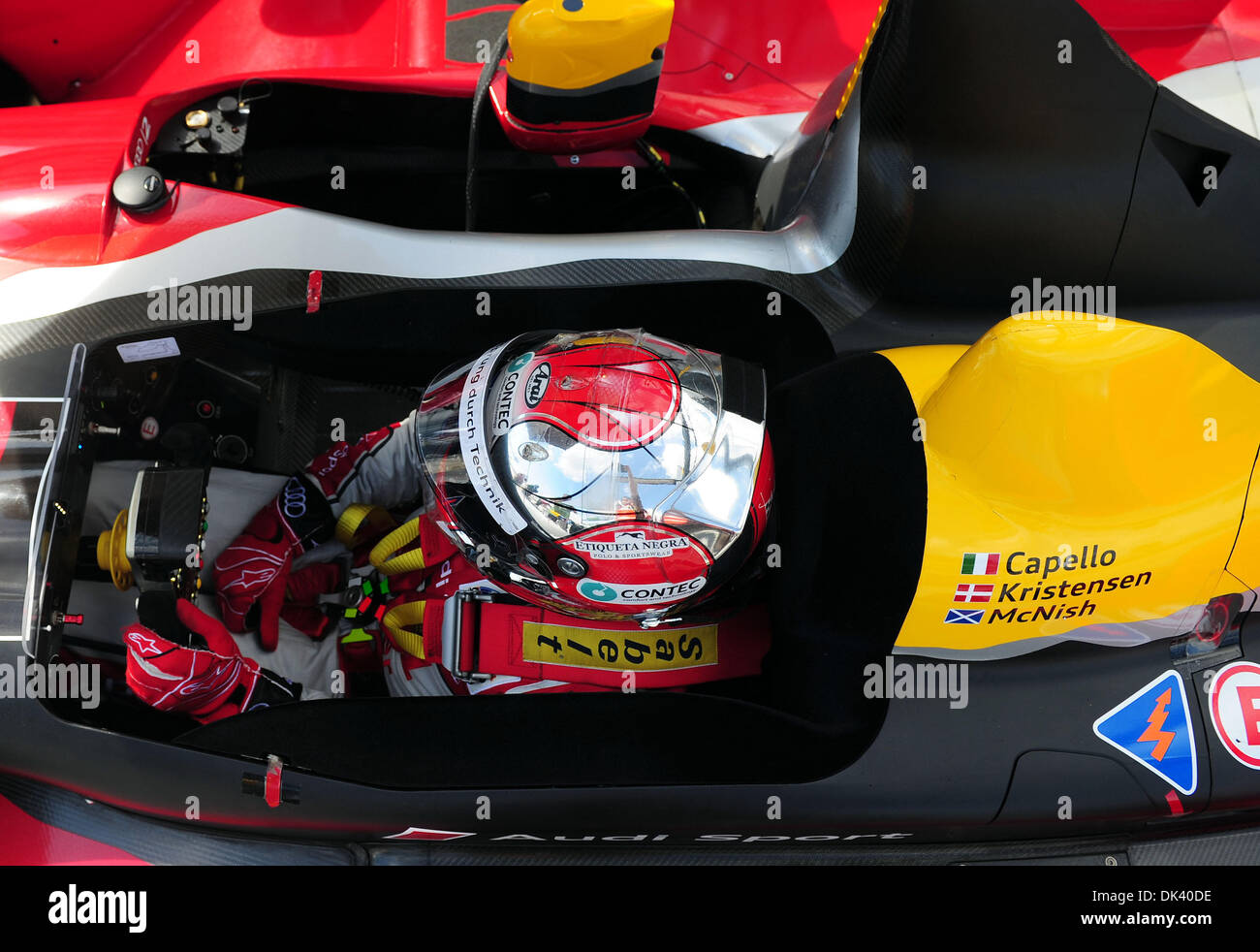 15. März 2011 - wartet Sebring, Florida, USA - Audi Sport Fahrer RINALDO CAPELLO, von Italien, in der R15 Plus während der Tests für die 12 Stunden von Sebring. (Kredit-Bild: © Rainier Ehrhardt/ZUMAPRESS.com) Stockbild