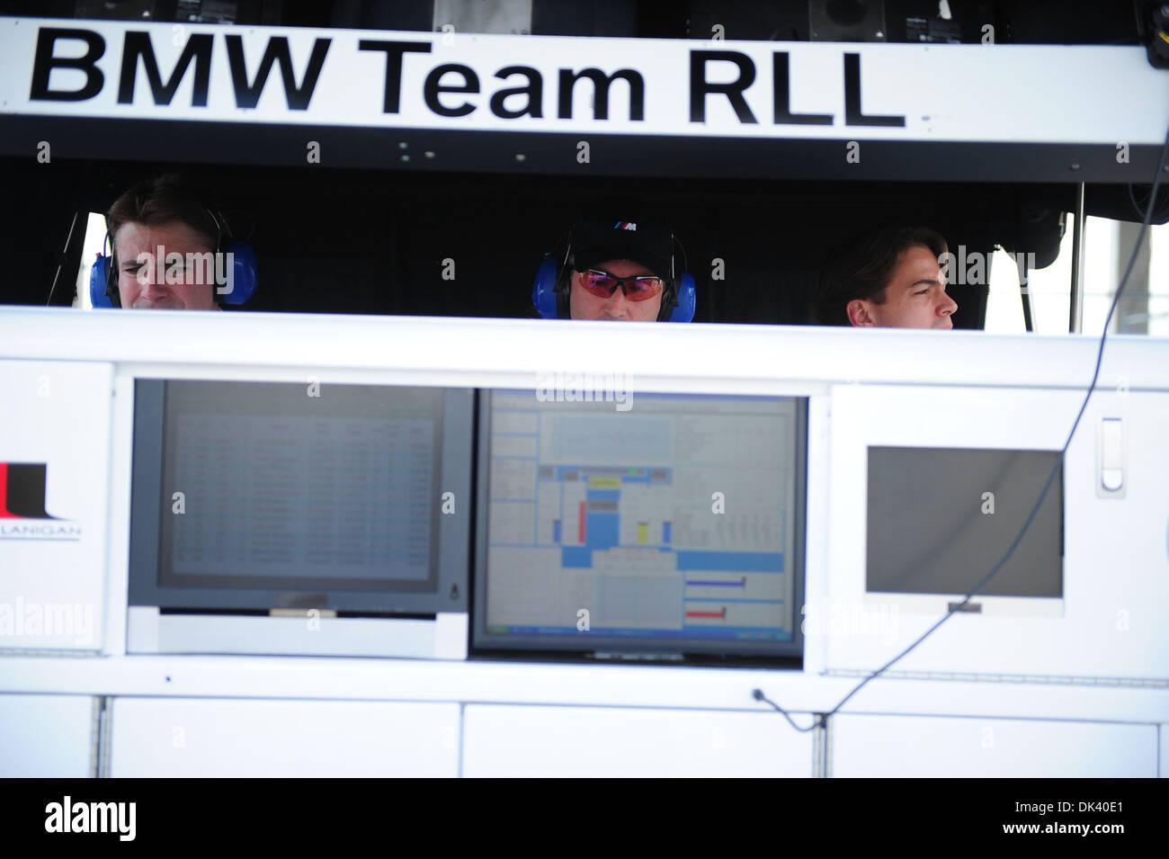15. März 2011 sehen - Sebring, Florida, USA - BMW Racing Personal während der Tests für die 12 Stunden von Sebring. Stockfoto