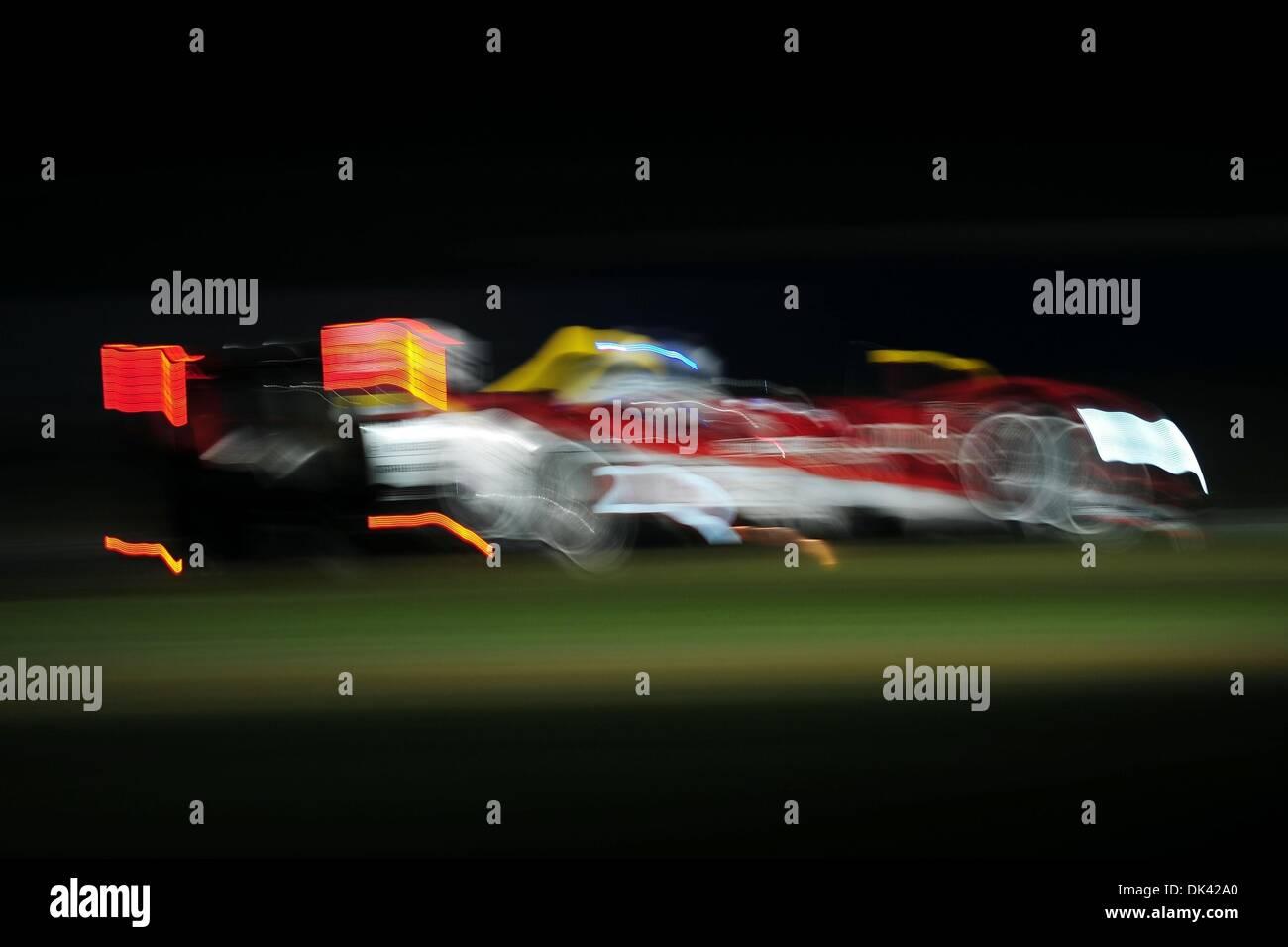18. März 2011 - Laufwerke Sebring, Florida, USA - Audi Sport Fahrer RINALDO CAPELLO, Italiens, der R15 Plus während der Nacht Praxis für die 12 Stunden von Sebring. (Kredit-Bild: © Rainier Ehrhardt/ZUMA Press/Rainier Ehrhardt) Stockbild