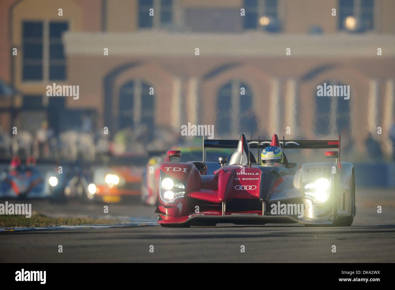19. März 2011 - treibt Sebring, Florida, USA - Audi Sport-Fahrer MIKE ROCKENFELLER, Deutschland, der R15 Plus beim Warm-up für die 12 Stunden von Sebring. (Kredit-Bild: © Rainier Ehrhardt/ZUMApress.com) Stockbild
