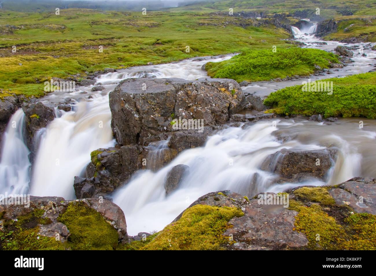 Wasserfall in der Nähe von Seydisfjordur, Island Stockbild