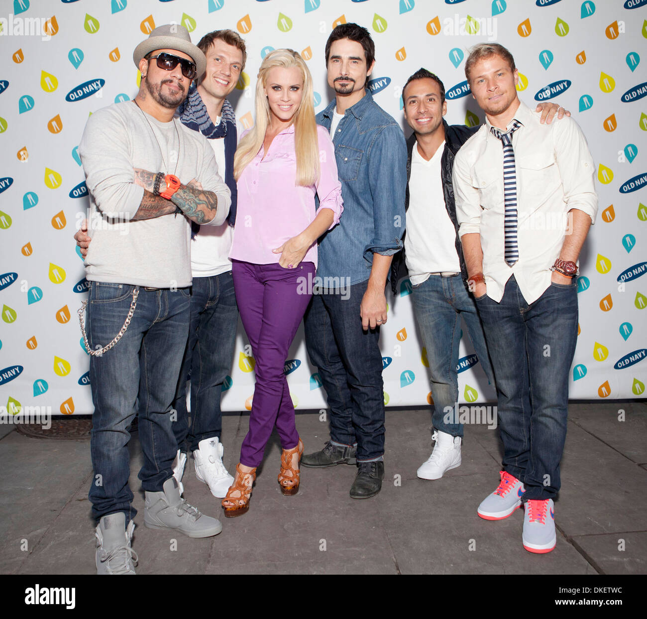 Die Backstreet Boys Und Jenny Mccarthy Old Navy Rockstar Fashion