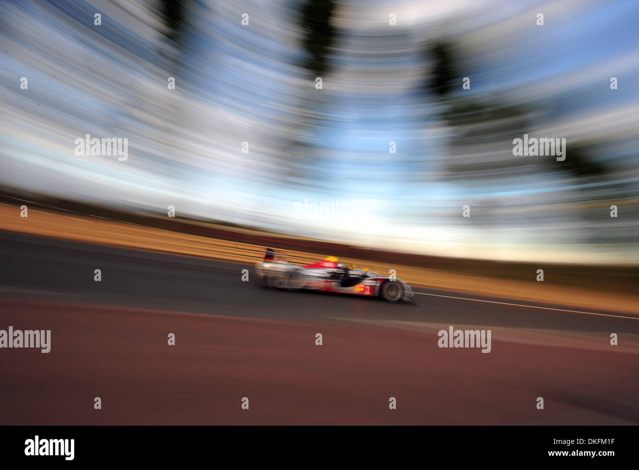 13. Juni 2009 - Mans Le, Frankreich - #1 Audi Sport R15 während der 24 Stunden von Le Mans, Samstag, 13. Juni 2009, in Le Mans, Frankreich. (Kredit-Bild: © Rainier Ehrhardt/ZUMAPRESS.com) Stockbild