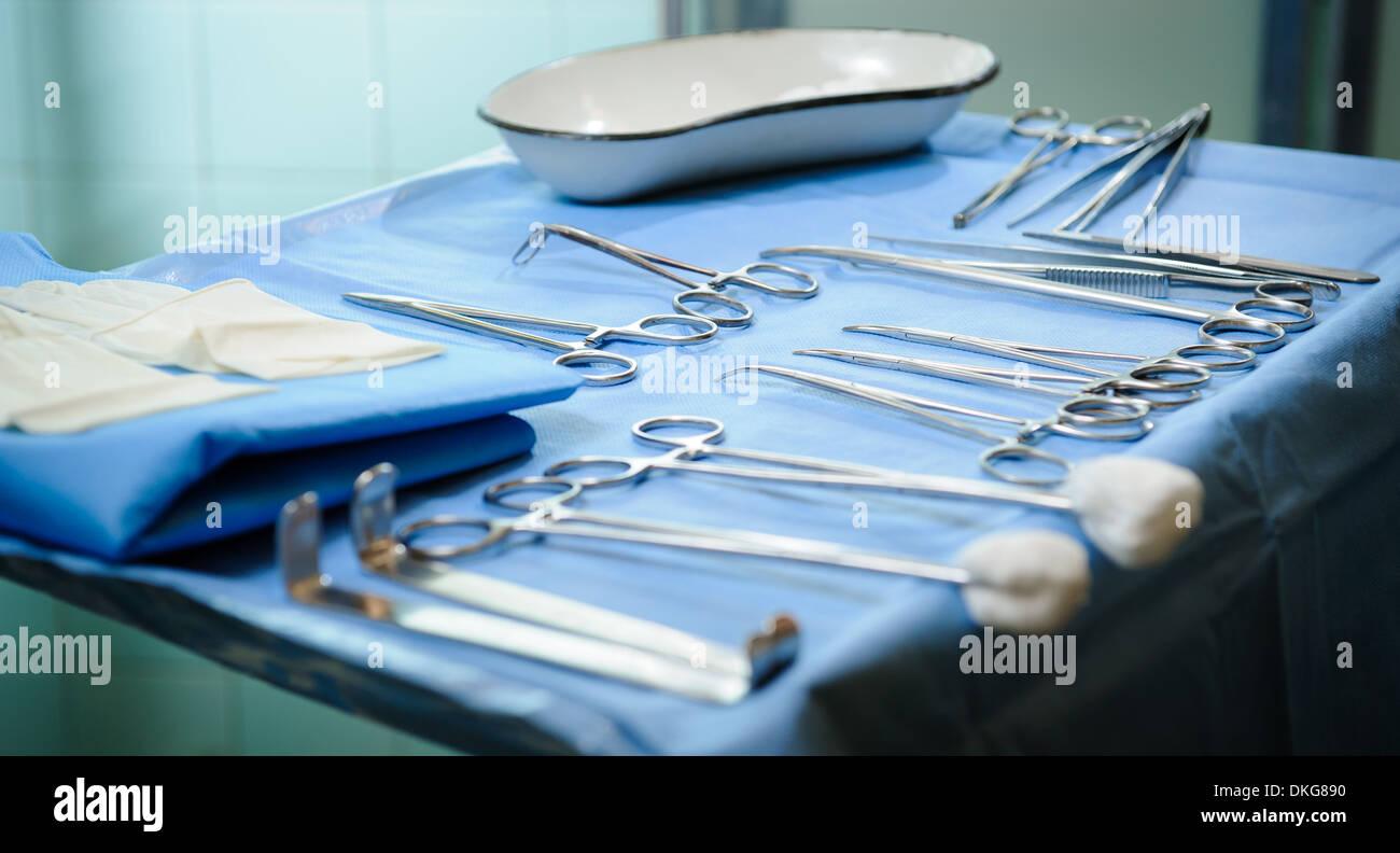 Chirurgische Instrumente-kit Stockbild