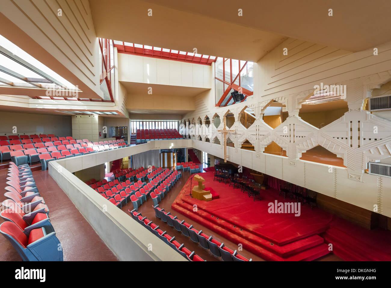 Innenraum der Kapelle Annie Pfeiffer, Frank Lloyd Wright-Campus am Florida Southern College, Lakeland, Florida, USA Stockbild
