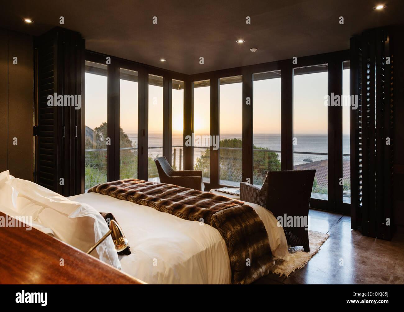 Luxus Schlafzimmer Mit Blick Auf Meer Bei Sonnenuntergang