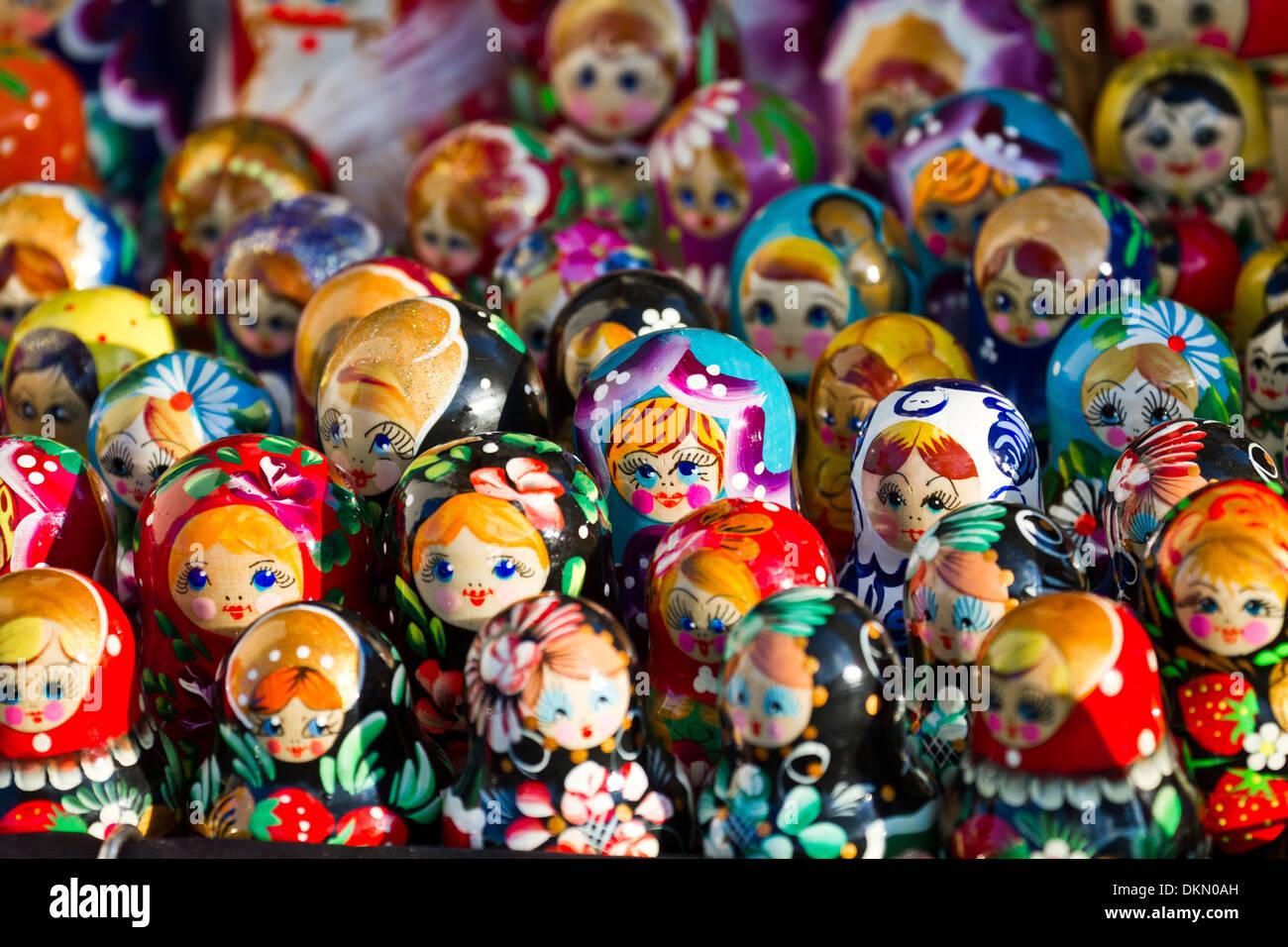 russian dolls toy stockfotos russian dolls toy bilder alamy. Black Bedroom Furniture Sets. Home Design Ideas