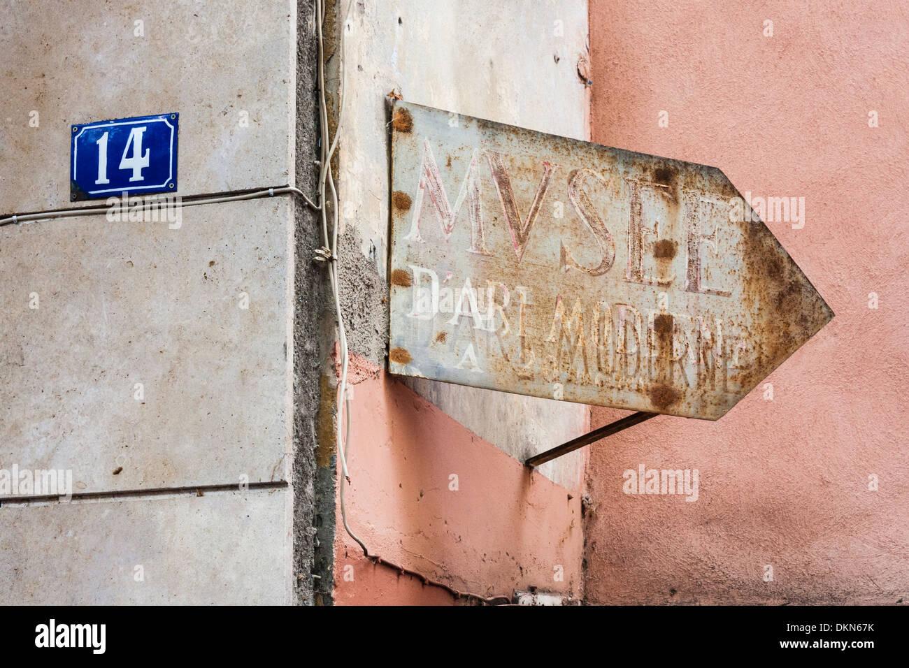 French museum sign stockfotos french museum sign bilder - Bureau des hypotheques de paris ...