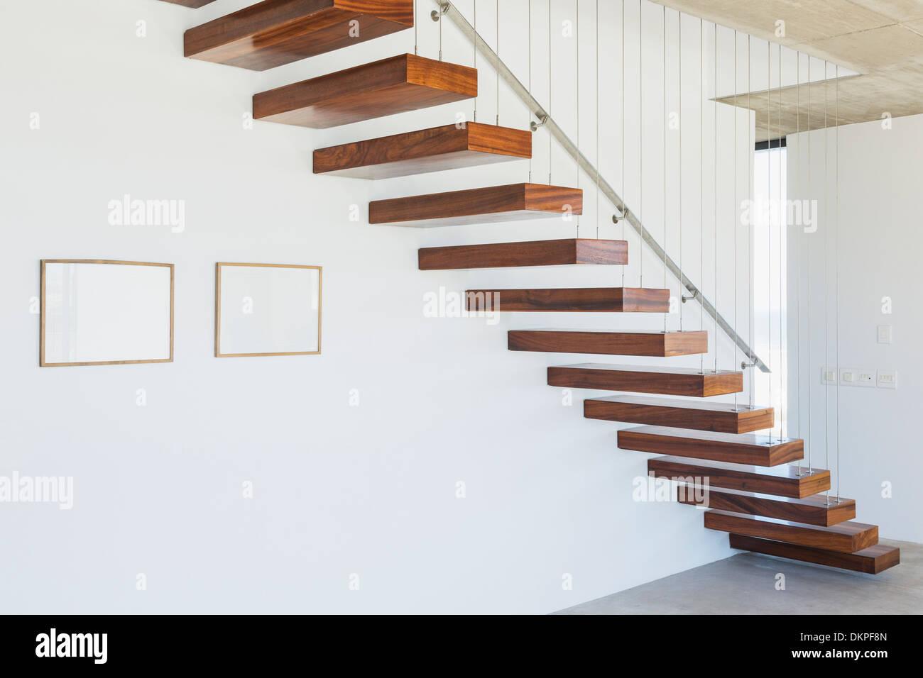 Bezaubernd Schwebende Treppe Beste Wahl In Modernes