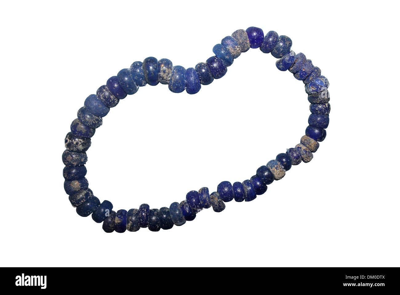 Dunkel blau Glas Bead Bronzezeit Halskette Stockbild