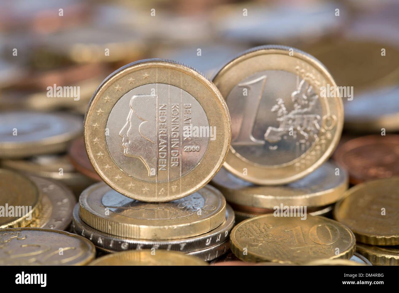 Ein Ein Euro Münze Aus Der Eu Mitglied Land Niederlande Mit Königin