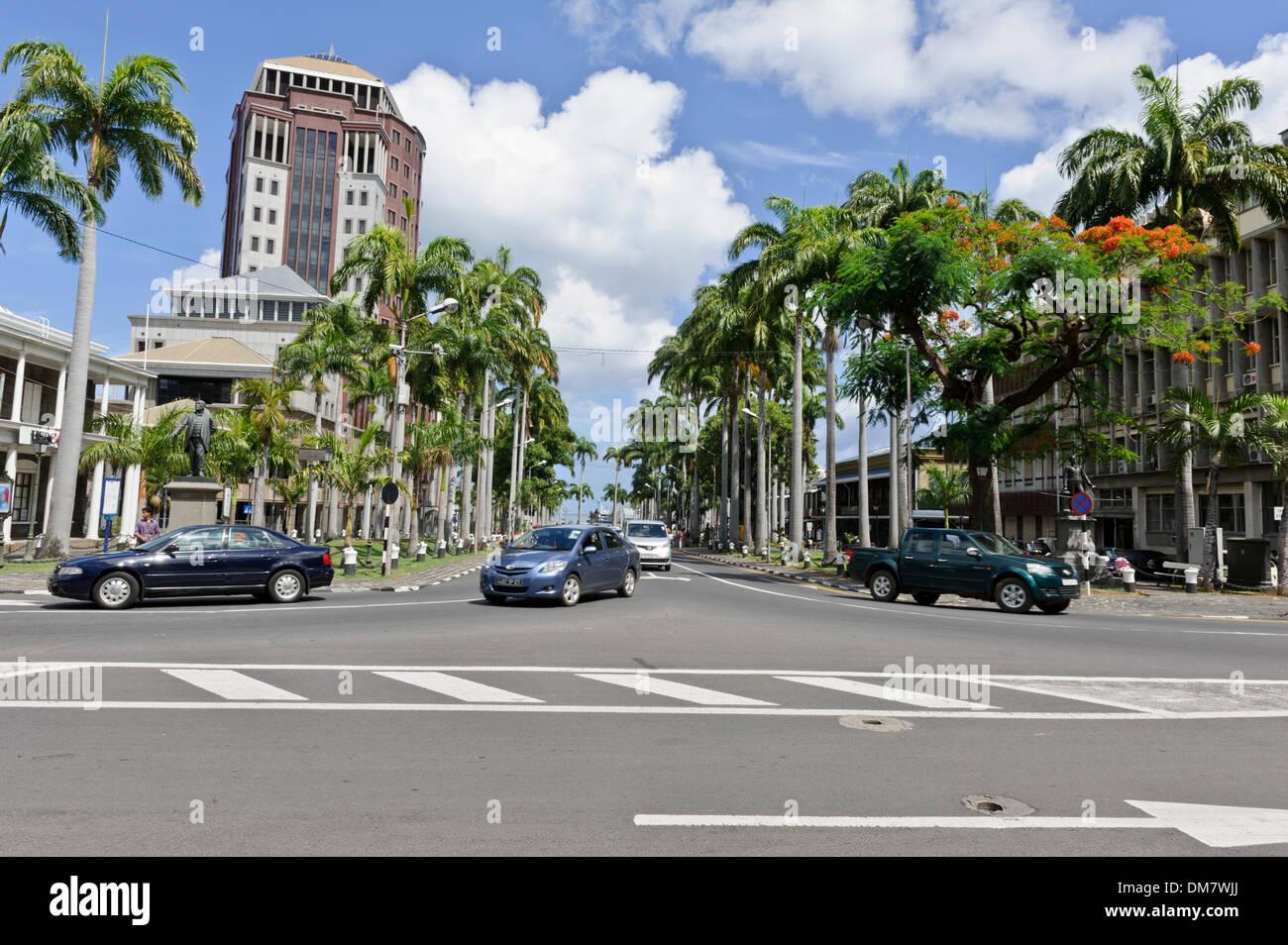 Typische Verkehr auf der Place d ' Armes, eines Port Louis beschäftigt Straßen, Port Louis, Mauritius. Stockbild