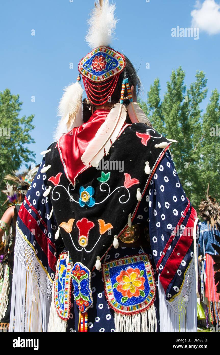 Traditionelle Tracht Kahnawake Pow Wow Quebec Stockbild
