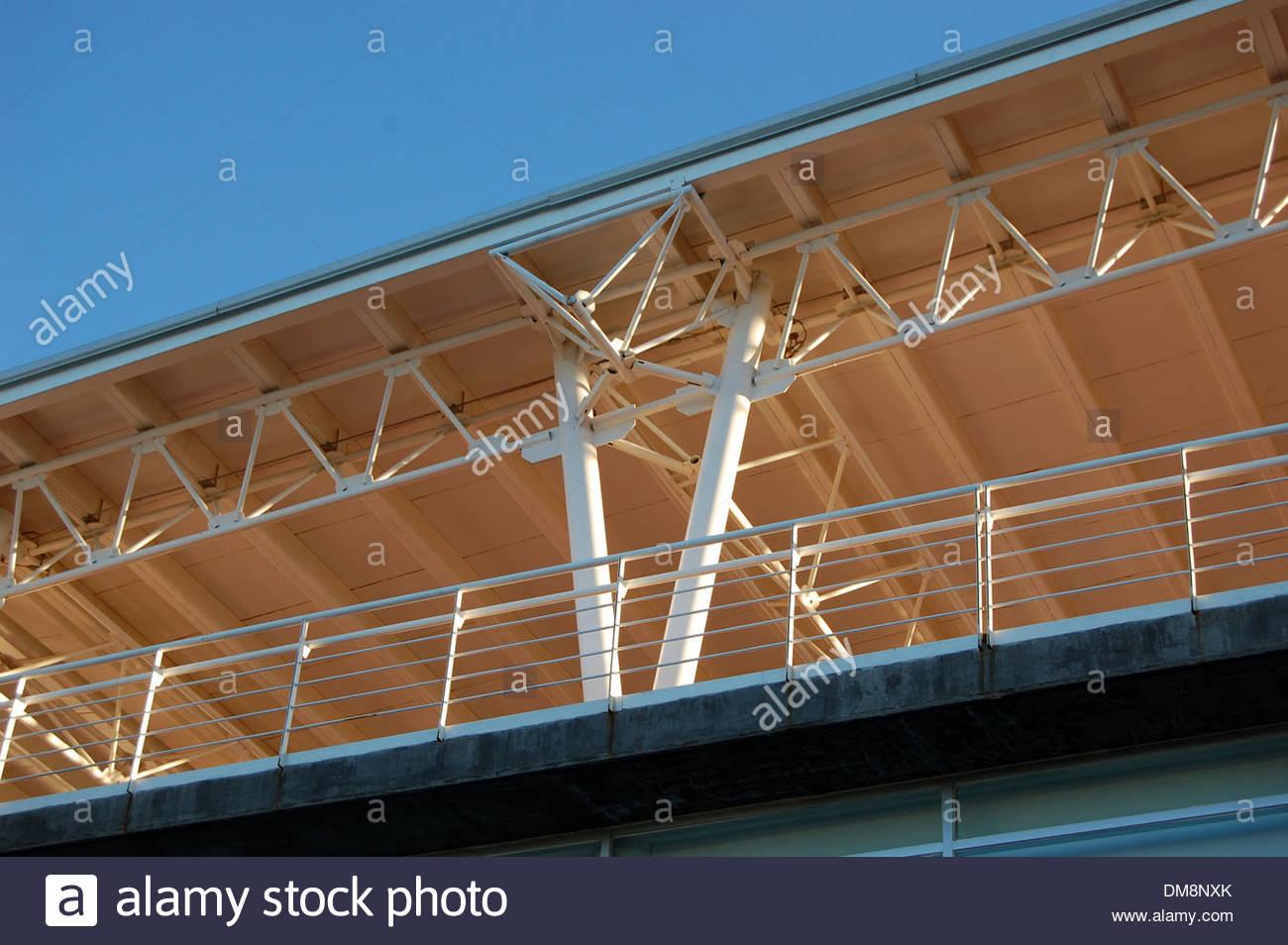 Zeitgenössische moderne Architekturdesign Stahl Gebäude zeigen ...