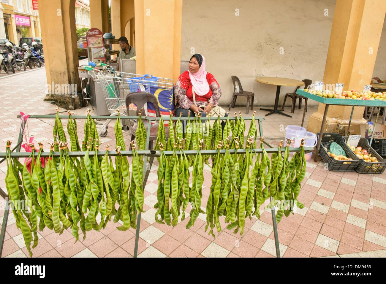 stinken Sie Bohnen am Gemüsemarkt in Georgetown, Penang, Malaysia Stockbild