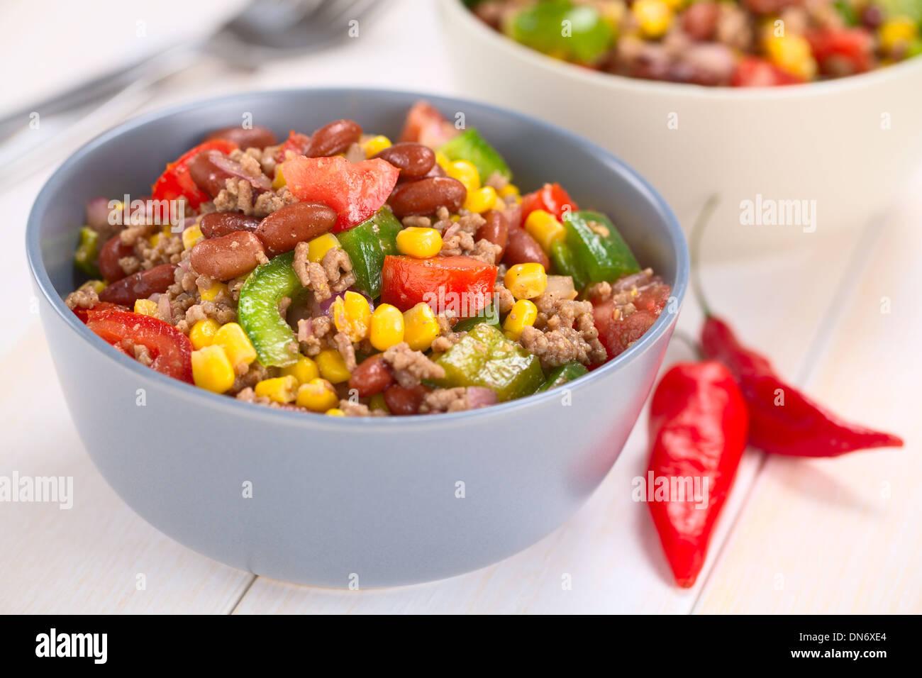 chili con carne salat gemacht von hackfleisch kidney bohnen gr ne paprika tomaten mais und. Black Bedroom Furniture Sets. Home Design Ideas