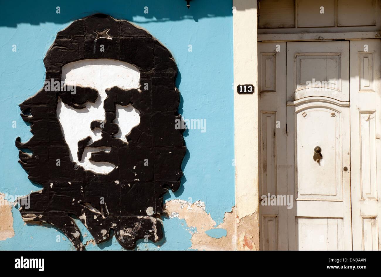 Eine Wand Bild der Revolutionär Che Guevara an der Wand in Trinidad, Kuba, Karibik Stockbild