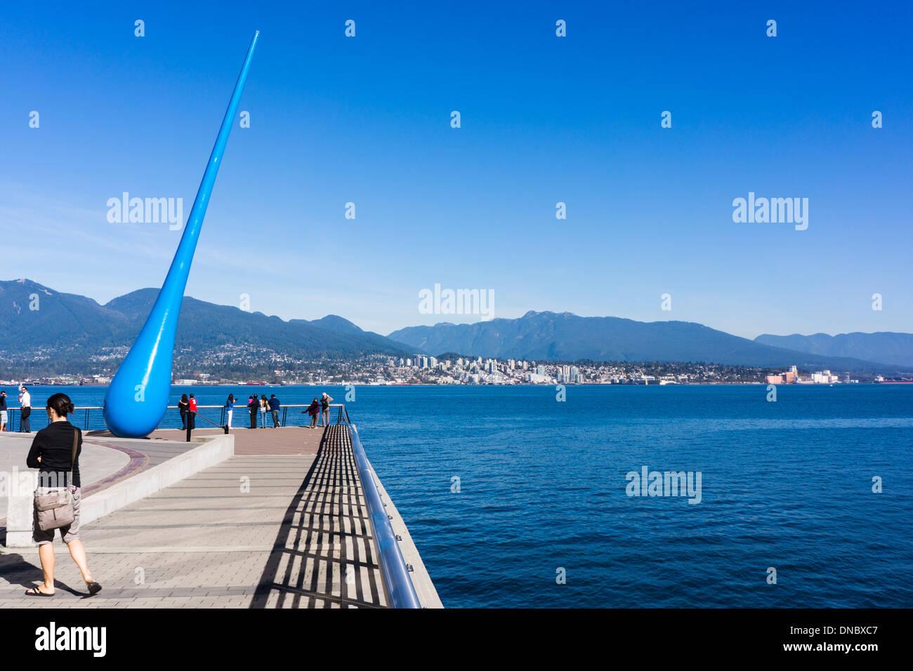 Die Tropfen, Stahlskulptur von deutschen Künstlergruppe Inges Idee. Vancouver, British Columbia, Kanada. Stockbild