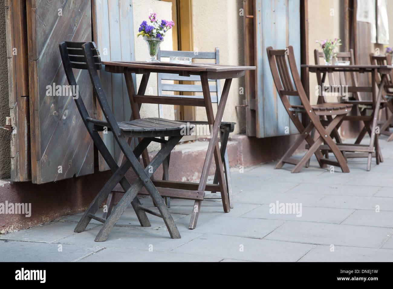 cafe cracow krakow tables stockfotos cafe cracow krakow tables bilder alamy. Black Bedroom Furniture Sets. Home Design Ideas