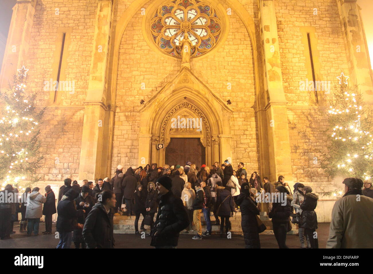 Sarajevo, Bosnien und Herzegowina. 24. Dezember 2013. Christen ...