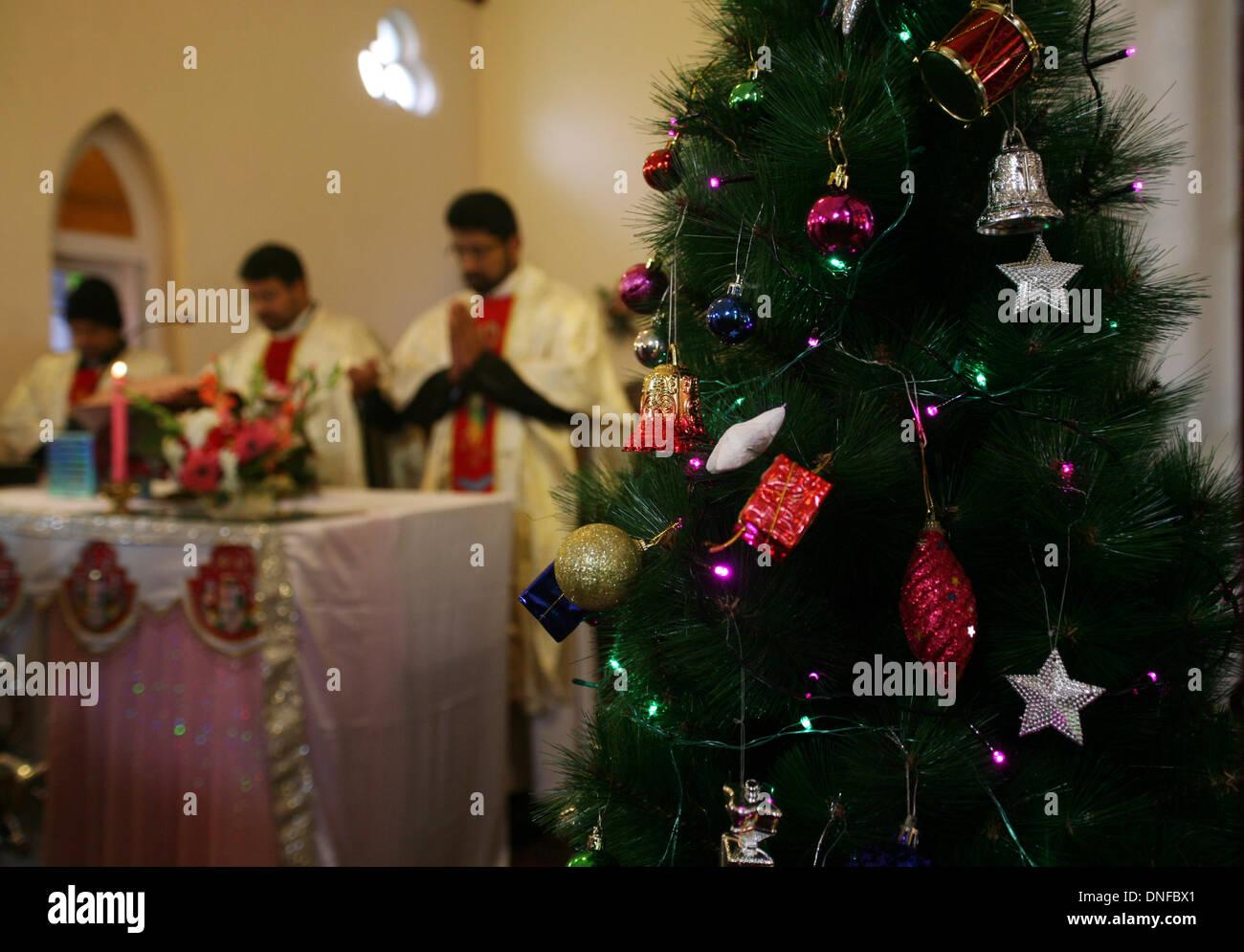 Srinagar, indische verabreicht Kaschmir 25 December2013. Priester ...