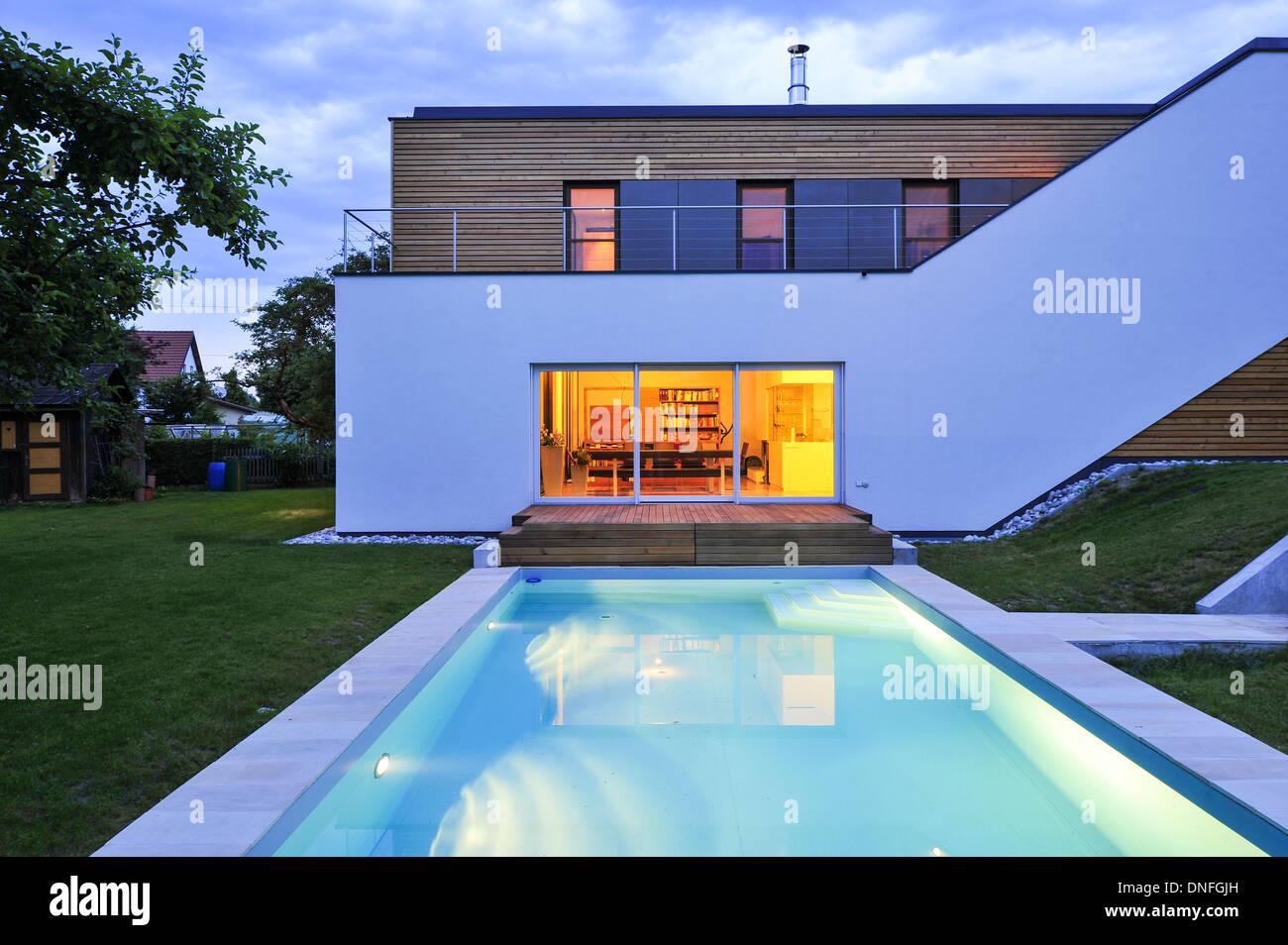 Wohnhaus, Holzbau, Swimming Pool, moderne Architektur, Holzhaus ...