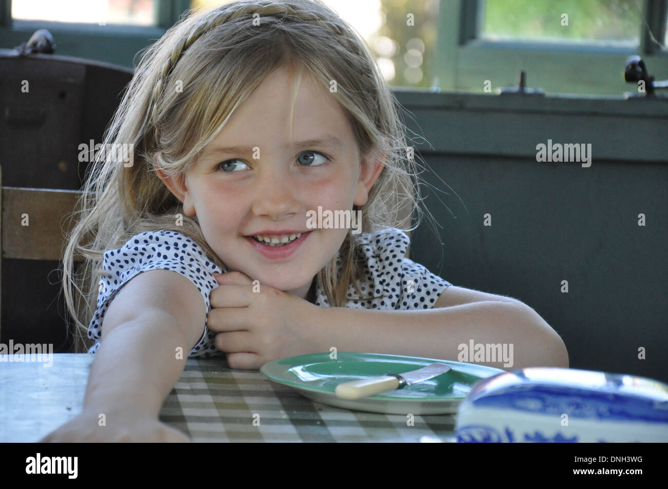Kind Kindheit Elternschaft Mädchen Niedlich Stockfotos Kind