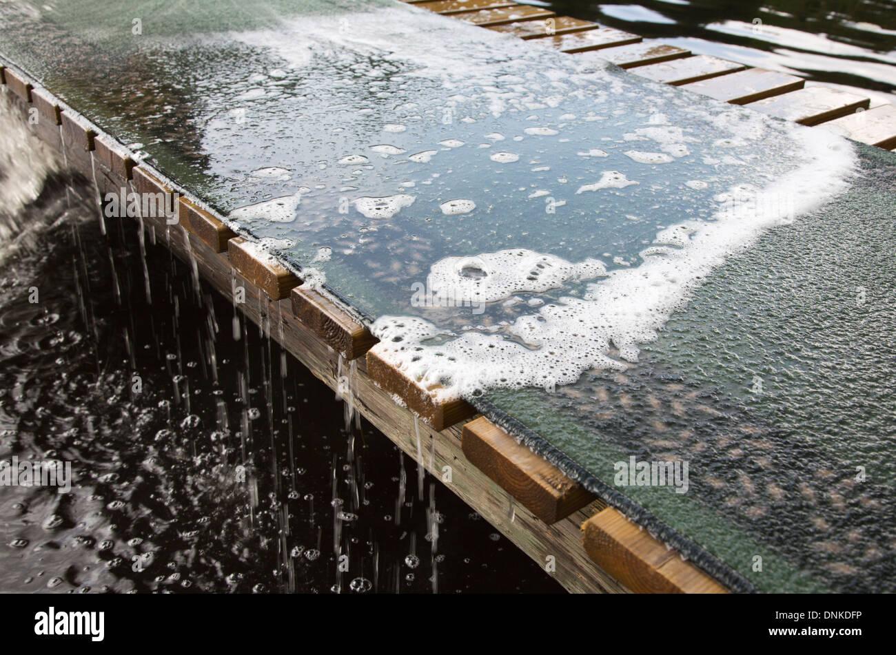 Waschen Teppich Draussen Am Pier Stockfoto Bild 64966602 Alamy