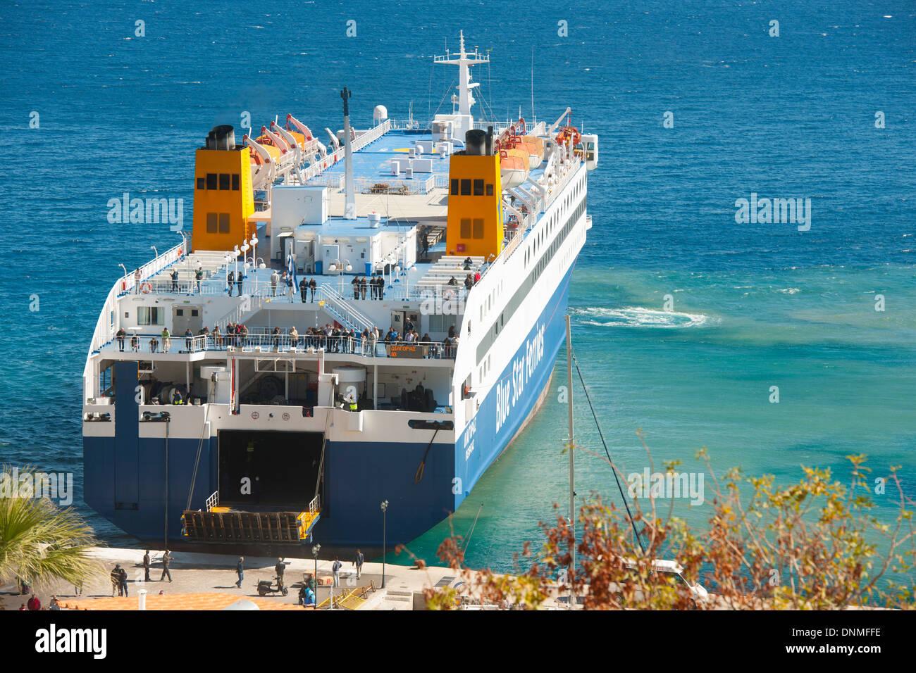 Griechenland, Insel Tilos, Fährschiff Im Hafen von von Livadia Stockbild