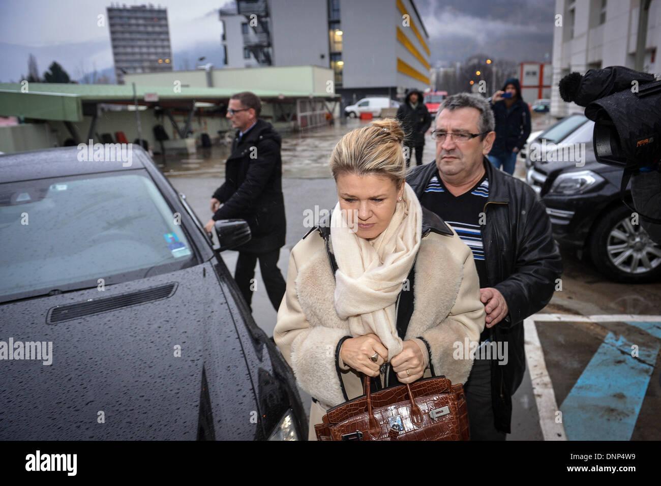 Grenoble Frankreich 3 Januar 2014 Corinna Schumacher Frau Des Pensionierten Deutschen Formel1 Rennfahrer Michael Schumacher Kommt Am Centre Hospitalier Universitaire Chu Hospital In Grenoble In Der Nahe Von Den Franzosischen Alpen Frankreich