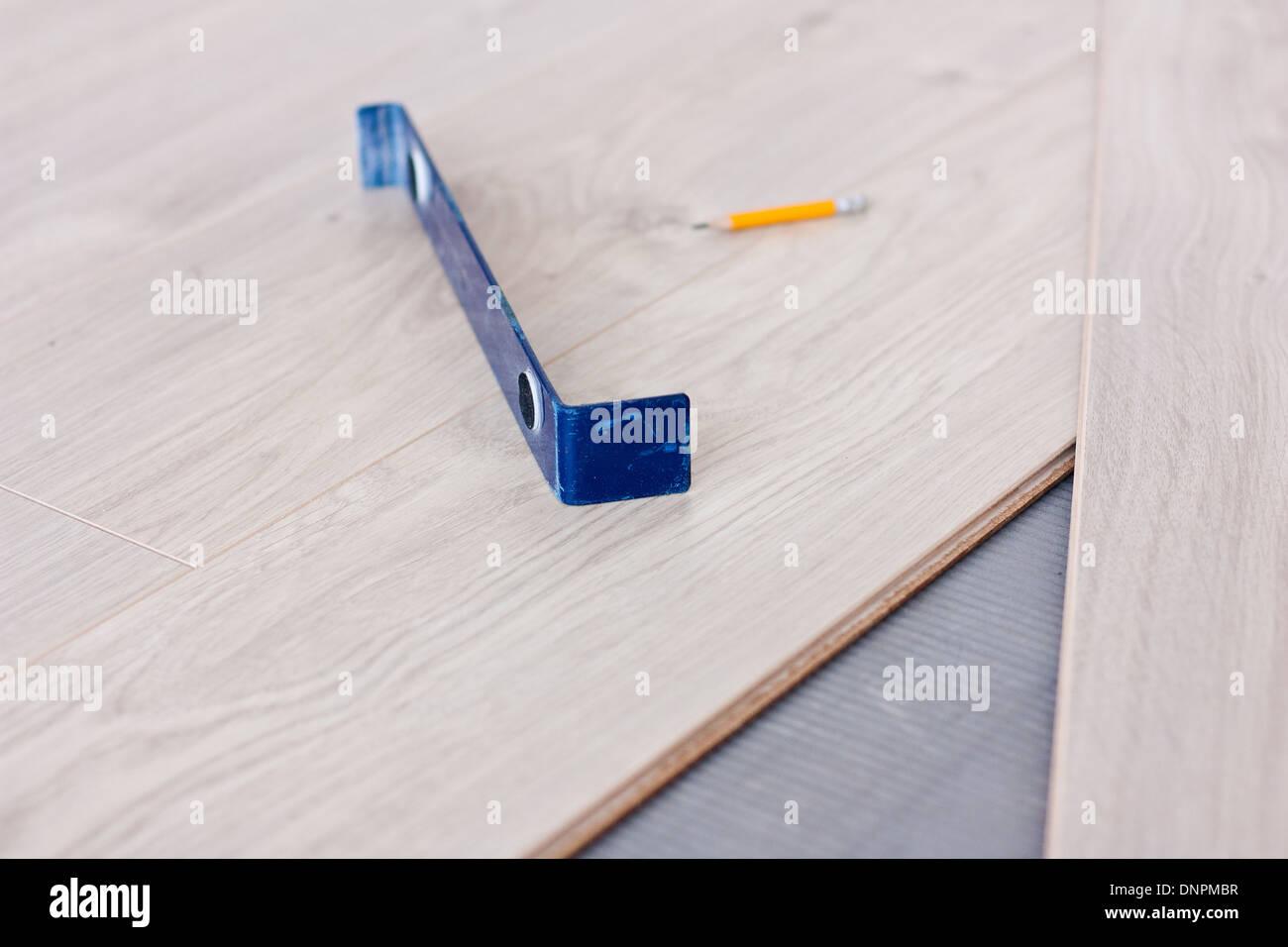 Fußboden Verlegen Werkzeug ~ Werkzeug für die verlegung von laminatböden und laminat paneele
